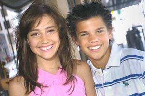 taylor lautner and taylor dooley