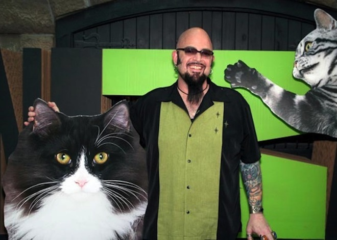 Animal planet 39 s jackson galaxy the cat whisperer visits for Jackson galaxy music