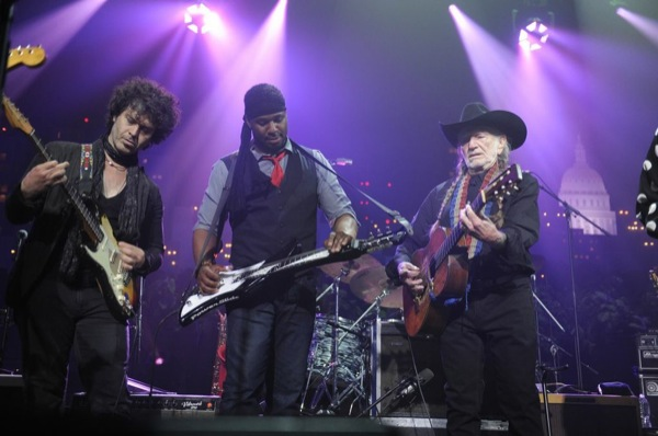 Texas Flood: (l-r) Doyle Bramhall II, Robert Randolph, and Willie Nelson putting on a grand finale Saturday, 4.26.14.