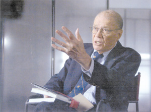 lessons from the fog of war essay Robert s mcnamara is one of modern america's most controversial figures his opinions, policies, and actions have led to a firestorm of debate, ignited most recently by errol morris's academy award-winning film, the fog of war.