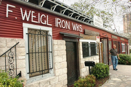 Review Iron Works Barbecue Food The Austin Chronicle