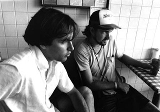 Richard Linklater (l) with cinematographer Lee Daniel during filming in 1989