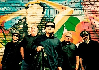 The wolf pack: Los Lobos