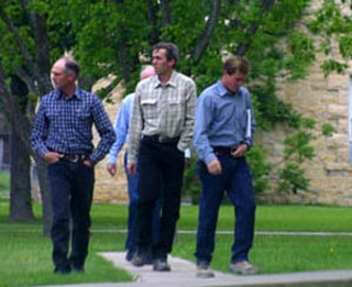 David Steed Allred (center) and other members of the FLDS visit Eldorado for a meeting with Schleicher Co. Sheriff David Doran.