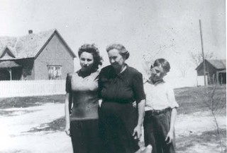 Bobbie and Willie with paternal grandmother Nancy