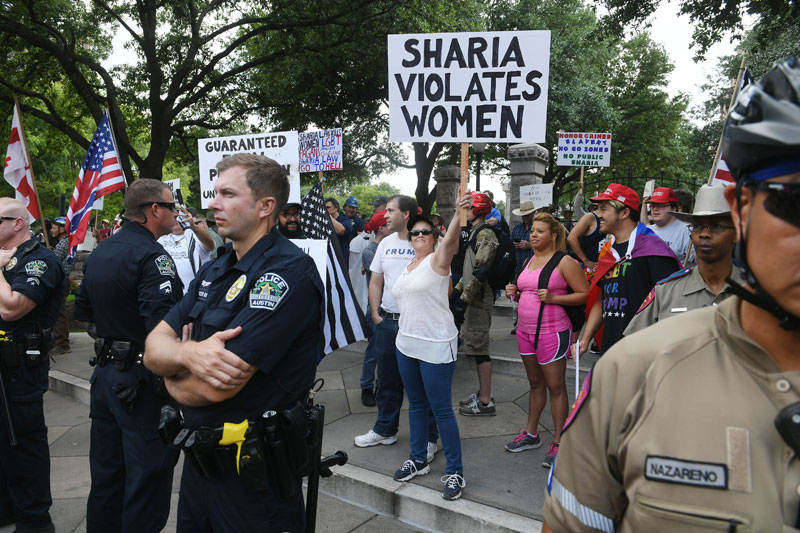 'Anti-Sharia' protestors clash with counter demonstrators