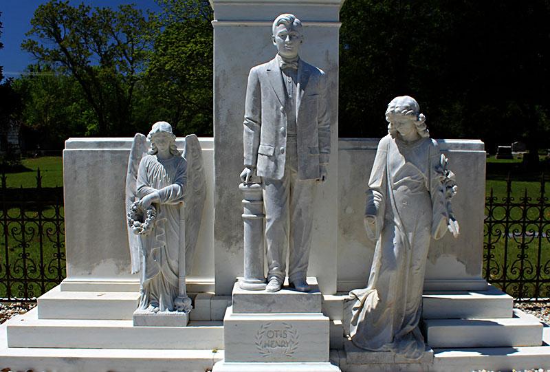 Day Trips Otis Henry Memorial Texarkana World War I Monument Memorializes The Depths Of A Mother S Loss Columns The Austin Chronicle