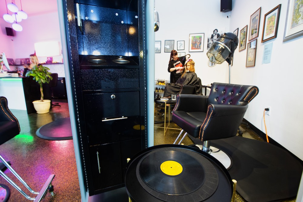Vinyl Beauty Bar Puts A New Spin On The Salon Experience