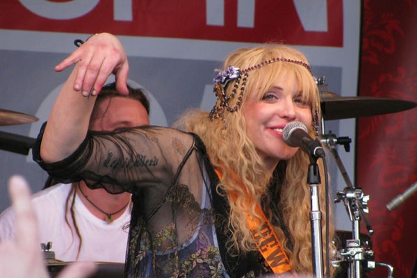 Write A Letter Courtney Love Hangin Loose At SXSW 2010