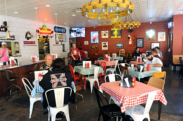 Restaurant Review Gus Or Bust Food The Austin Chronicle