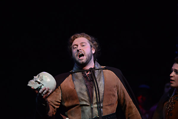 Dominick Chenes, tenor, singing Riccardo in A Masked Ball</
