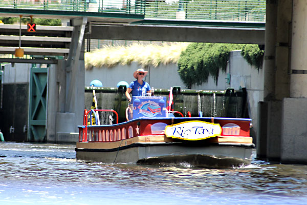 Taxi San Antonio >> Day Trips Rio Taxis Take The Water Shuttles Around The San Antonio