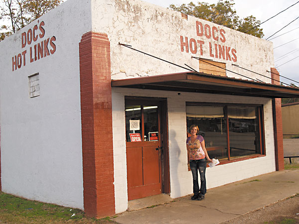 Day Trips Doc S Hot Links In Gilmer Make Sausages