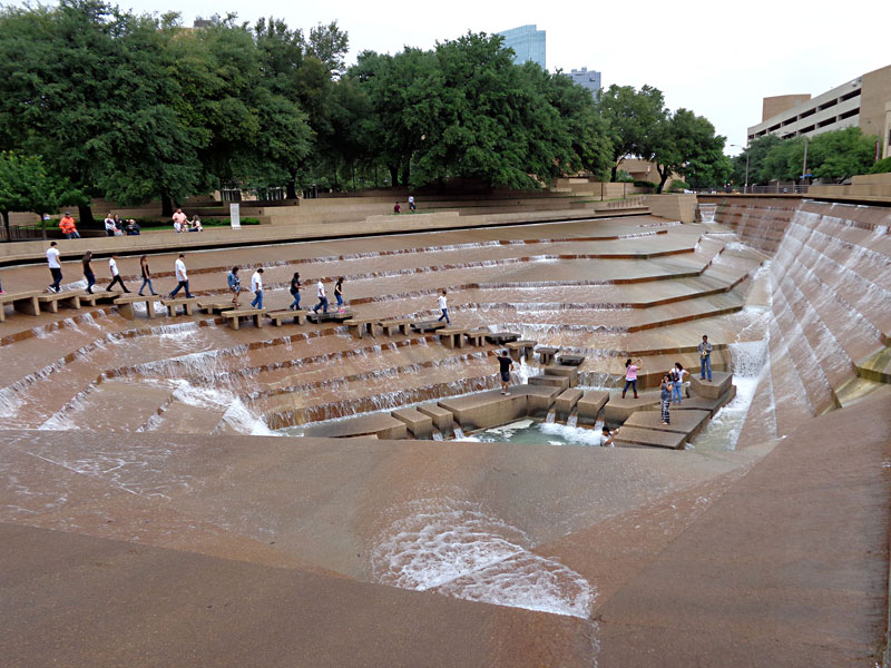 Day Trips Water Gardens Fort Worth Stay Dry While Surrounded By Cascading Falls Columns