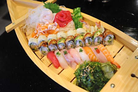 Review Yanagi Japanese Restaurant Sushi Bar Food The Austin