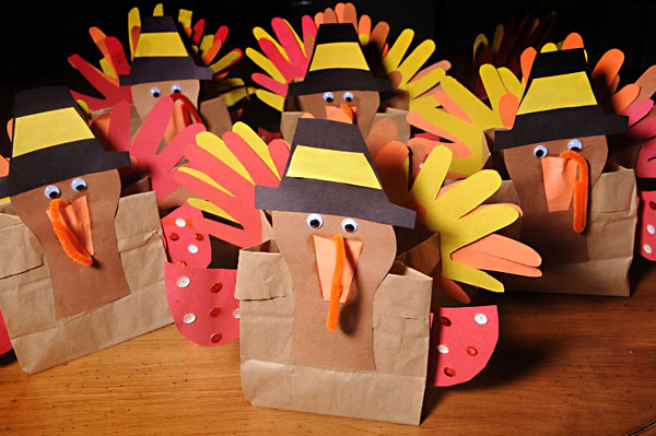 Thanksgiving is for everyone little helping hands uses