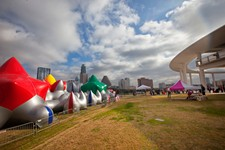 Luminarium Austicus: Architects of Air Come Back to Town