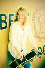 Freewheeling With the First Lady of Austin Country, Kelly Willis