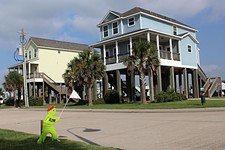 Day Trips: Stella Mare RV Resort, Galveston