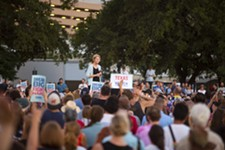 Sen. Elizabeth Warren Rallies 5,000 Local Supporters at Austin Event