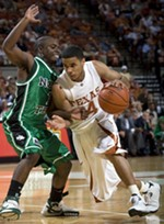 Two Longhorns Named to Naismith Award Watch List