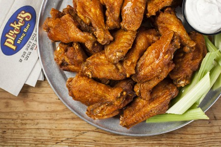 Qualifying Rounds Open for Pluckers Wing King