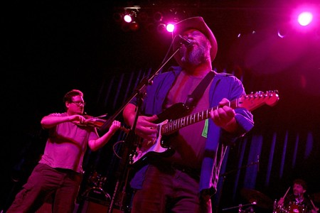 Shinyribs Frontman Kevin Russell Will Perform Gourds Set for Electric Lounge Reunion