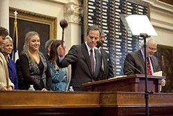 House Speaker Joe Straus gavels-in the session, surrounded by his family.