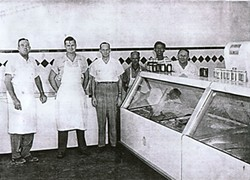 (l-r) Garnett Lenz, J.D. Spence, O.T. McCullough, Shorty, Benny, and John Starr at the market on 19th, circa 1950