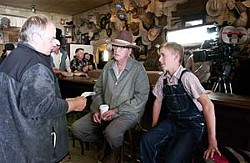 Tim McCanlies with Michael Caine and Haley Joel Osment on the set of <i>Seconhand Lions</i>