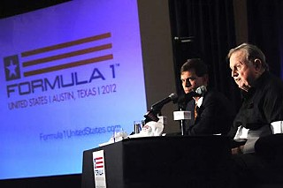 Tavo Hellmund and Red McCombs at Tuesday's press announcement