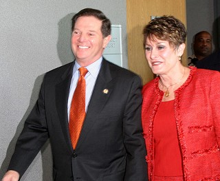 Tom DeLay and his wife, Christine, in a 2005 appearance at the Travis County Courthouse