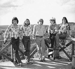 Up on the roof (of the Dry Creek Inn), 1972: (l-r) Bobby Earl Smith,  Steve McDaniels, John X. Reed, David Cook, Marcia Ball