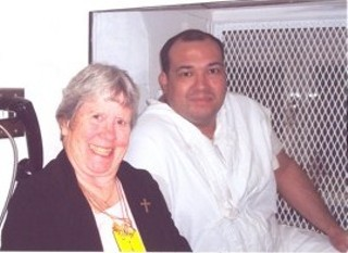 Humberto Leal on death row with Sister Germaine Corbin (l)