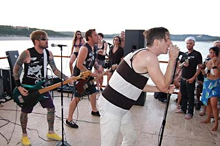 Punk yacht: 