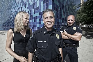 Madge Whistler (l), with Austin Police Lt. Christian Malanka, and Officer Mike Schultheis