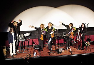 Reynolds and Stopschinski with the Tosca String Quartet in 2010