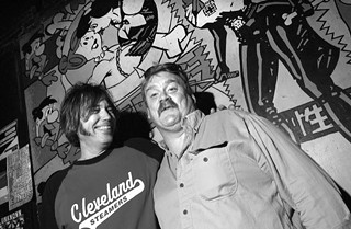 Frank Hendrix (r) with former Emo's manager David Thomson at the Sixth Street venue in 2002