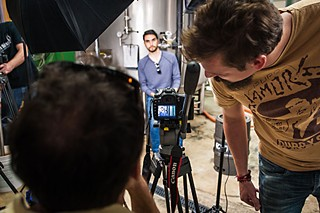 Mike looking at editor Ben Leavitt in (512) Brewing Co.
