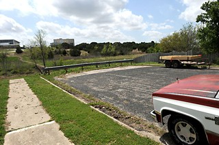 Planners aim to eliminate connectivity barriers, such as this one on Colony Loop Drive, which dead-ends at city-owned property.