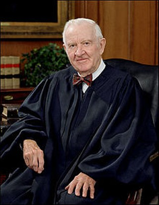 Now retired, Justice John Paul Stevens thinks feds should legalize marijuana