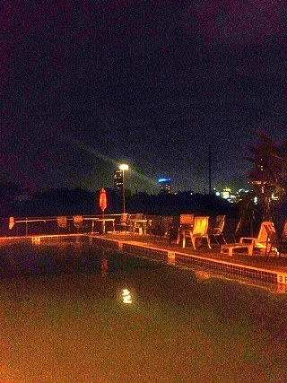 Nightswimming at High Road pool