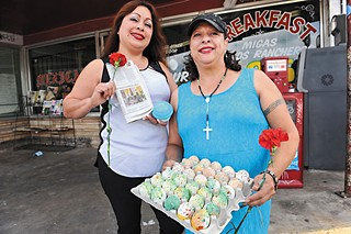 Raquel Banda (l) and Shirley Trevino of Tamale House No. 3