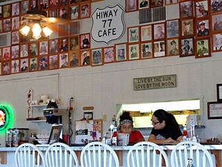 Day Trips: HiWay 77 Cafe
