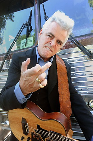 Dale Watson does his best Johnny Cash.