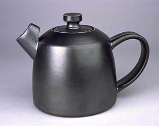 Black teapot, by Ryan McKerley