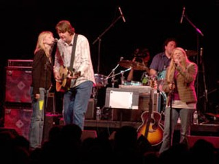 Kelly Willis, Bruce Robison, and Natalie Maines (l-r)