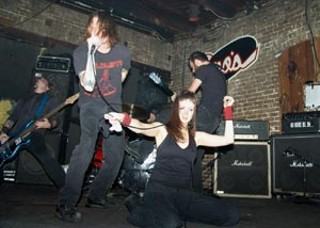 Disengage screams down a female stage crasher.