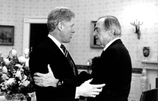 Former President Bill Clinton (l) will deliver the keynote address at the CPPP's dinner honoring Waco philanthropist Bernard Rapoport on May 19.