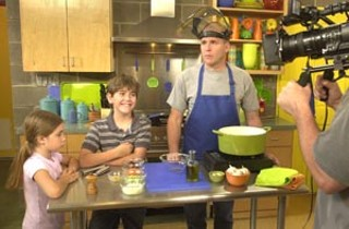 On the set of <i>Papi's Kitchen</i>